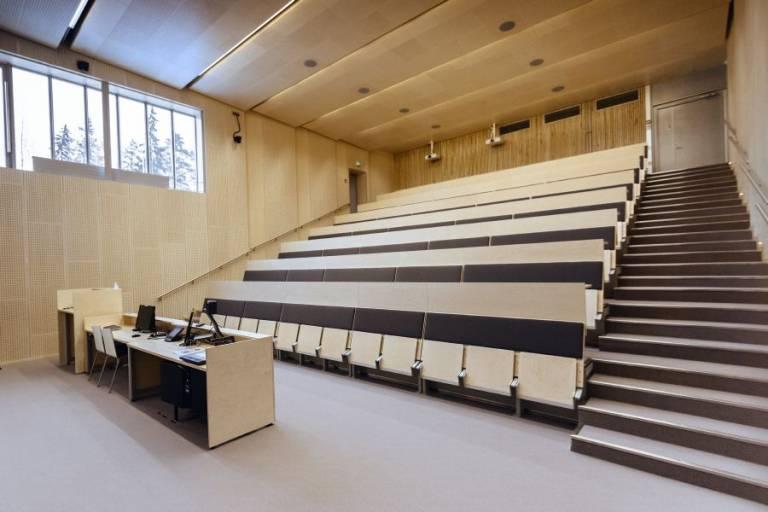 Auditoriomainen luentotila TAMKissa