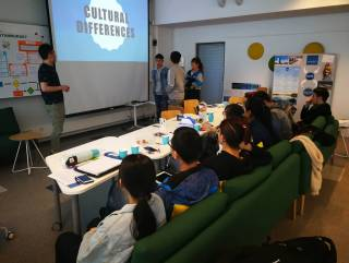 Chinese double degree students making group work Ursula teaching practice spring 2019