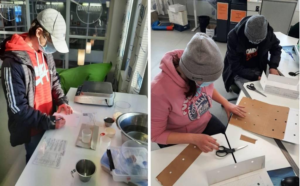 Opiskeijoita tekemässä käytännön harjoituksia matikkasorvaamossa.